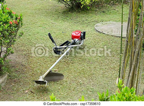 잔디 풀 베는 기계 - csp17359610