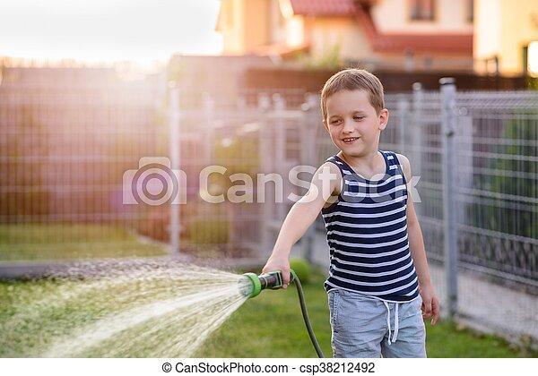 garden., 소년, 거의, 해수욕장의, 아이, 풀 - csp38212492