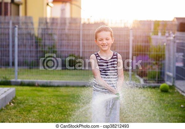 garden., 소년, 거의, 해수욕장의, 아이, 풀 - csp38212493
