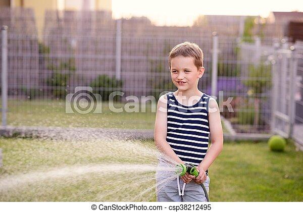 garden., 소년, 거의, 해수욕장의, 아이, 풀 - csp38212495